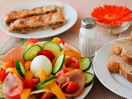 """Gli adolescenti che saltano colazione """"rischiano"""" il diabete a 40 anni"""
