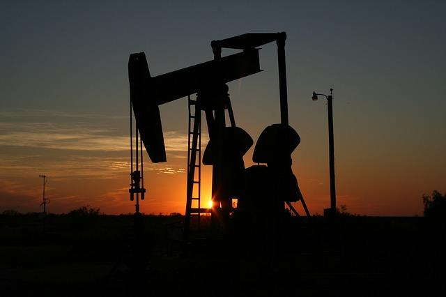 pompa estrazione petrolio