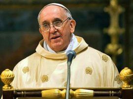 Papa Francesco mette in guardia l'uomo…