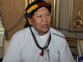 Incontro con il leader degli Indios Yanomani
