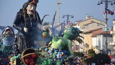 """I carri allegorici di Viareggio che hanno ricevuto il premio """"Io faccio la mia parte"""""""