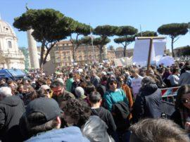 15 marzo, Accademia Kronos a piazza Venezia con migliaia di giovani e persone adulte per dire NO ai cambiamenti climatici.