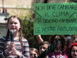 Greta Thunberg in piazza a Roma: «Cambiamo il mondo». Migliaia di giovani al Friday for Future!