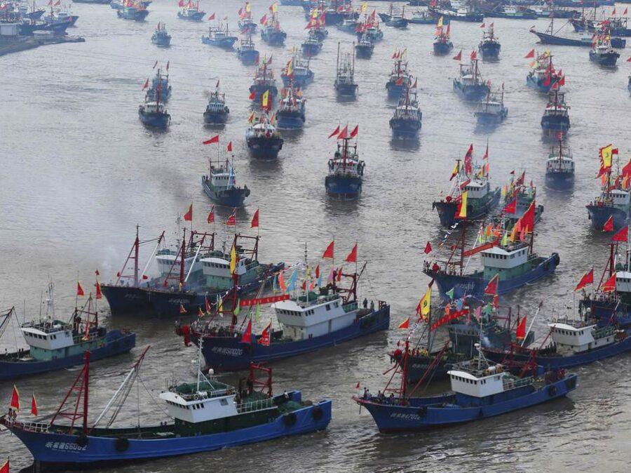 """""""L'armata"""" cinese della pesca sta svuotando i mari del Pianeta!"""
