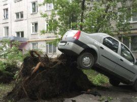 In Europa grandine come palle da tennis, a Mosca vittime e feriti per una violentissima tempesta e negli USA black-out totale a Memphis