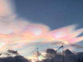 Uno strano spettacolo nei cieli scandinavi: le nubi stratosferiche polari